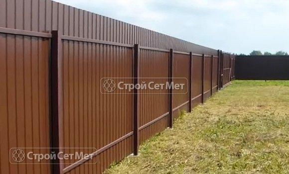 Фото 305. Забор из профлиста профнастила металлопрофиля коричневый 8017 обратная сторона