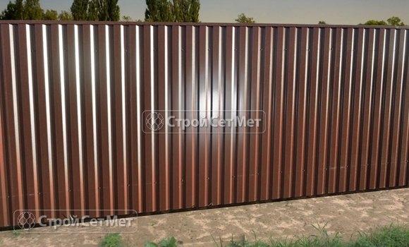 Фото 324. Забор из профлиста профнастила металлопрофиля МП-20 коричневый 8017