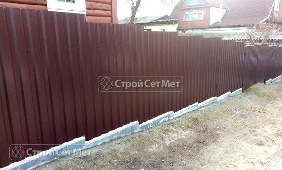 Фото 442. Забор из профлиста профнастила металлопрофиля коричневый 8017