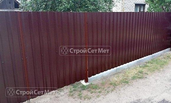 Фото 445. Забор из профлиста профнастила металлопрофиля коричневый 8017