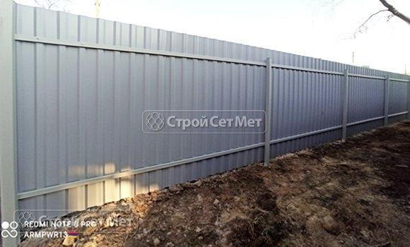 Фото 453. Забор из профлиста профнастила металлопрофиля серый обратная сторона