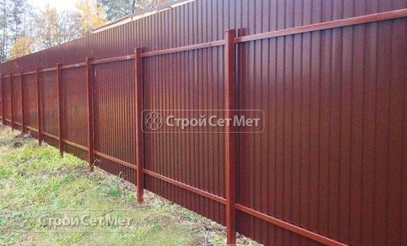 Фото 88. Забор из профлиста профнастила металлопрофиля МП-20, 3005 красное вино обратная сторона