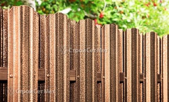 Фото 69. Забор из металлического двухстороннего штакетника, из евроштакетника