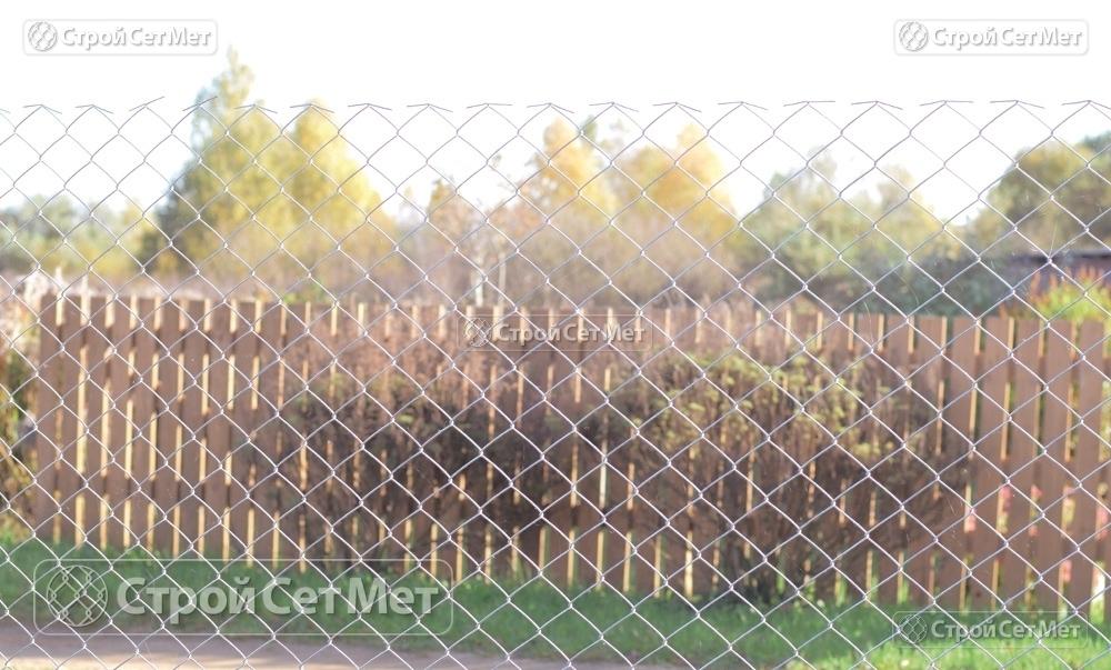"""Фото 243. Сетка рабица купить в Минске, оцинкованная, ячейка 55х55 мм или ограждение высотой от 1.2 до 2 м с доставкой на объект от УП """"СтройСетМет"""""""