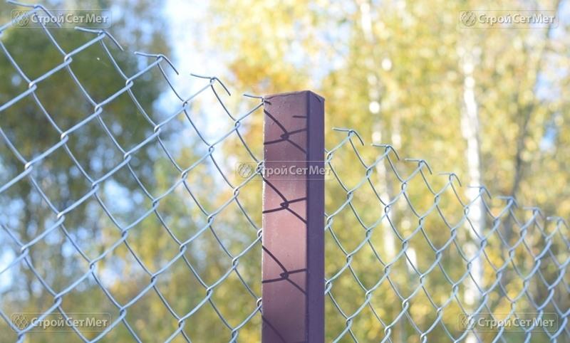 Фото 293. Столб для сетки рабицы металлический