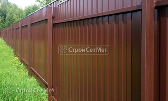 Фото 89. Забор из профлиста профнастила металлопрофиля МП-20 коричневый 8017 обратная сторона