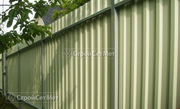 Фото 90. Красивый забор из профлиста профнастила металлопрофиля МП-20 серый обратная сторона
