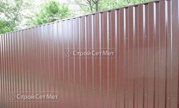 Фото 303. Забор из профлиста профнастила металлопрофиля МП-20 коричневый 8017