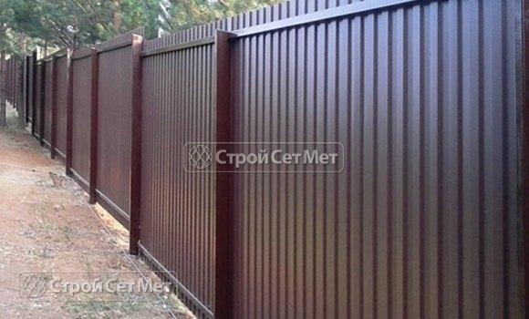 Фото 86. Забор из профлиста профнастила металлопрофиля МП-20 коричневый 8017 обратная сторона