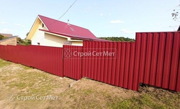 Фото 458. Забор из профлиста профнастила металлопрофиля коричневый красный 3011