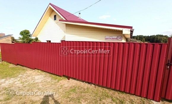 Фото 459. Забор из профлиста профнастила металлопрофиля коричневый красный 3011