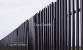 Забор из металлического штакетника коричневый фото, из евроштакетника, купить под ключ двухсторонняя зашивка