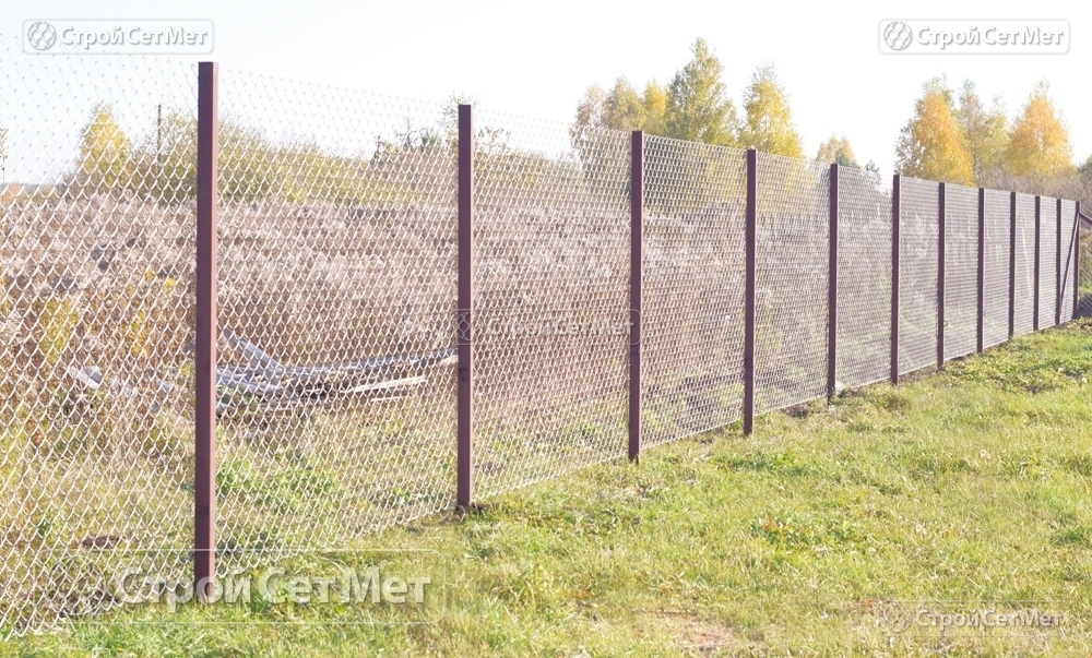 Сетка рабица новая недорого оцинкованная 55х55 мм на забор и ограду высотой от 1.2 до 2 м, купить в Минске с доставкой заказать в СтройСетМет