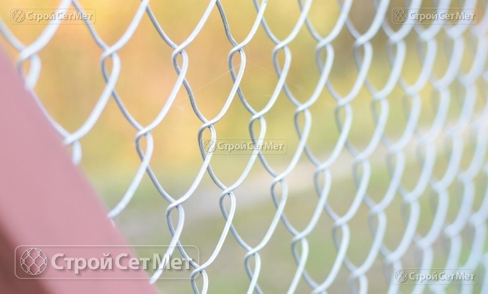 Сетка-рабица с покрытием, оцинкованная, ячейка 55х55 мм, выс. от 1.2 до 2 м купить с доставкой СтройСетМет в Минске